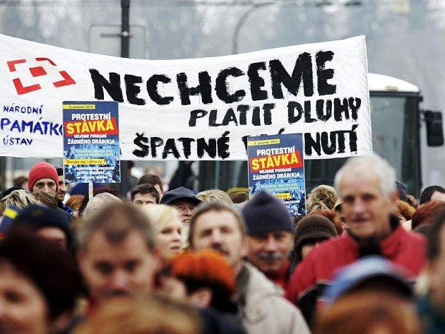 Na středeční stávku se sešlo kolem 250 demonstrujících.