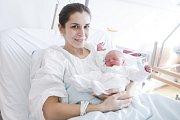 LUKÁŠ AMBROS se narodil 14. února ve 13 hodin a 17 minut. Měřil 47 centimetrů a vážil 2430 gramů. Maminku Terezu podpořil u porodu tatínek Erik. Rodina bydlí v Trnávce.