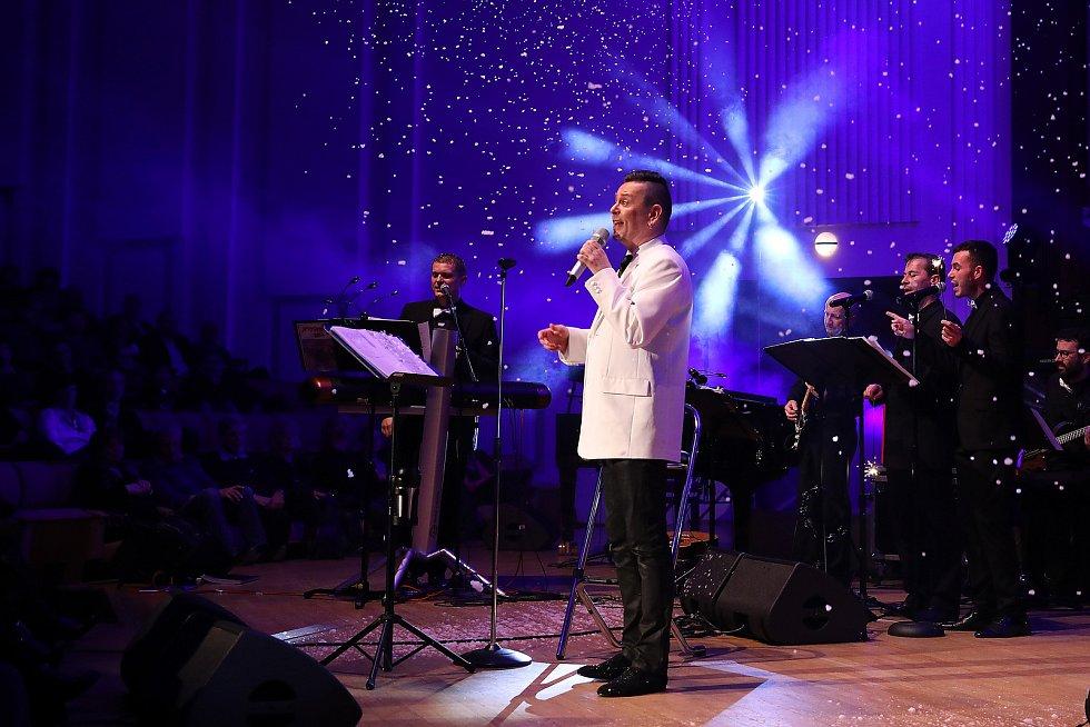 Pardubický koncert Pirate Swing Bandu Jiřího Ševčíka.