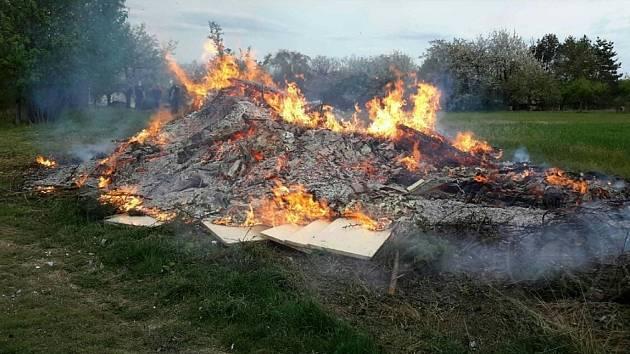Požár o filipojakubské noci