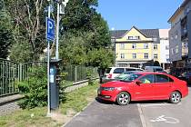 Technologická novinka má v Pardubicích usnadnit parkování.
