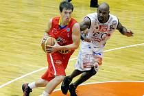 Martin Peterka v připravném utkání s Kapfenbergem
