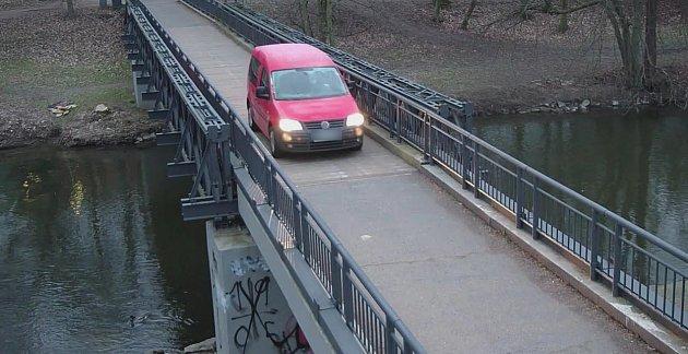 Tudy ne, přátelé, vzkazuje řidičům Městská policie Pardubice
