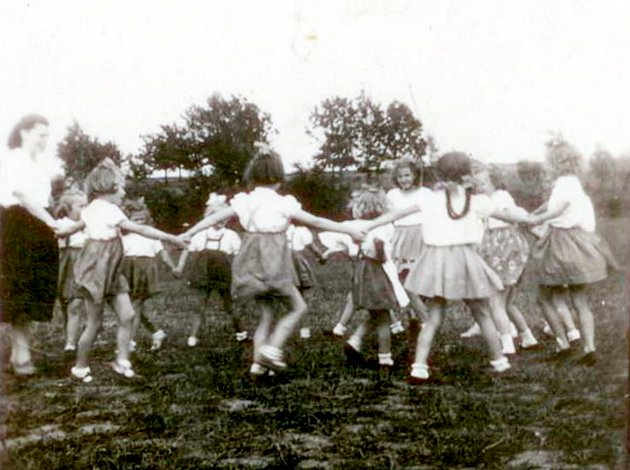 První sokolský slet v roce 1953.
