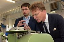 Velvyslanec Spojeného království Velké Británie a Severního Irska v České republice Nicholas Stewart Archer na návštěvě Univerzity Pardubice.