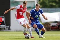 Fotbalové utkání FK Pardubice - FK Mladá Boleslav, Tomáš Solil z Pardubic.