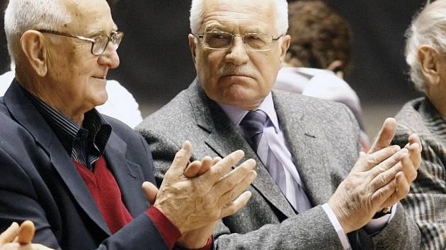 Zápas Eurocupu v Pardubicích sledoval i prezident Václav Klaus.