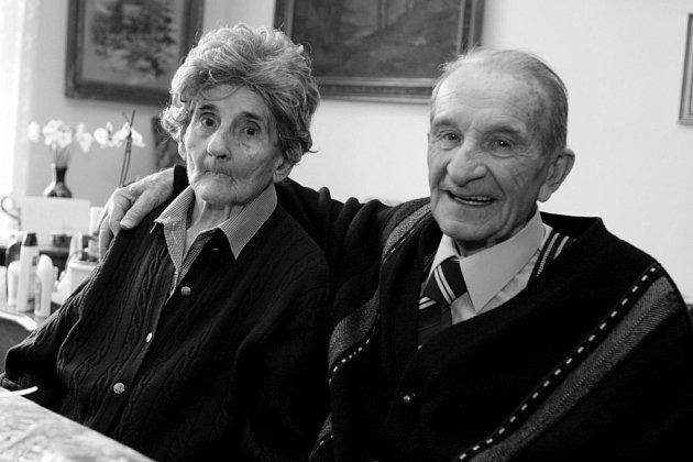 MANŽELÉ PADĚROVI oslavili šedesát let společného manželství.