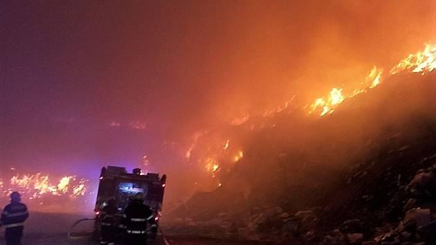 Noční požár ve Zdechovicích
