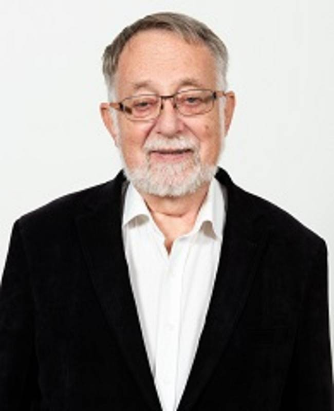 Jaroslav Bašta, archeolog, disident, někdejší diplomat, lídr SPD v Pardubickém kraji