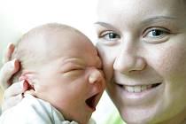 František Lagron se narodil 6. prosince v 19:40 hodin. Měřil 48 centimetrů a vážil 3120 gramů. Maminku Renatu u porodu podpořil tatínek František a rodina je z Pardubic.ek Honza jsou z Pardubic.