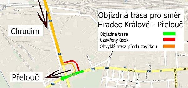 Varianta neznačené objížďky ve směr zHradce Králové na Přelouč přes centrum Pardubic.