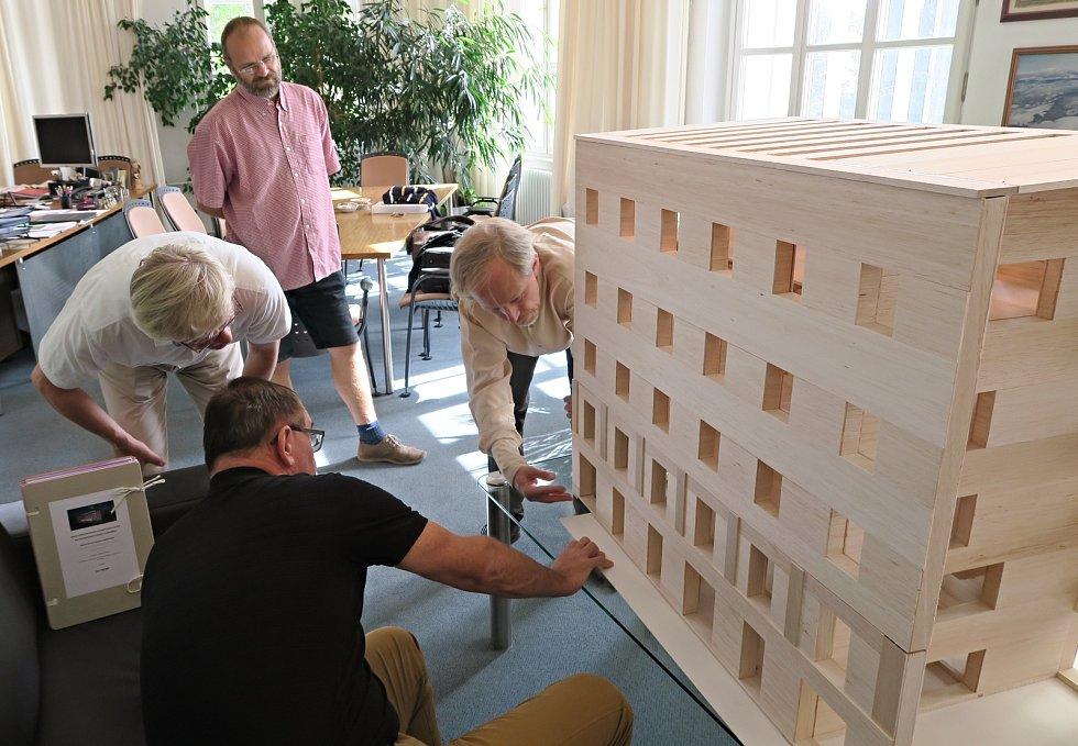 Projekt na budoucí sídlo Východočeské galerie ve Winternitzových mlýnech v Pardubicích.
