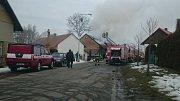 Požár rodinného domu Moravany - Čeradice.
