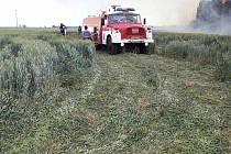 Při pálení trávy omylem zapálil i stoh. Škoda se vyšplhala na milion.
