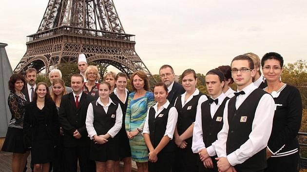 Žáci z Poličky a Litomyšle pod Eiffelovou věží