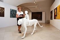Východočeská galerie po sametové revoluci začala napravovat škody, ke kterým došlo za komunismu. Nyní dovolí návštěvníkům nahlédnout na to nejzajímavější, co se jí podařilo za 30 let získat.