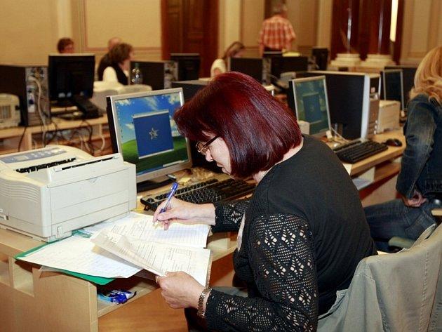 Sčítací centrála na pardubické radnici
