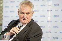 Návštěva Miloše Zemana v pardubické Retii