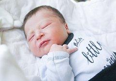 KRISTYÁN DANIEL UHRIČ se narodil 5. listopadu ve 12 hodin a 32 minut. Vážil 4110 gramů a měřil 53 centimetrů. Ze syna se těší maminka Andrea a tatínek Daniel Emil.