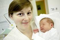 Matyáš Barbořík  se narodil 19. listopadu v 18:51 hodin. Měřil 53 centimetrů a vážil 3490 gramů. Maminku Martinu podporoval u porodu tatínek Dušan. Doma v Pardubicích čeká ještě tříletý Davídek.