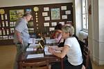 Občané Pardubic v referendu rozhodují o existenci městských obvodů.
