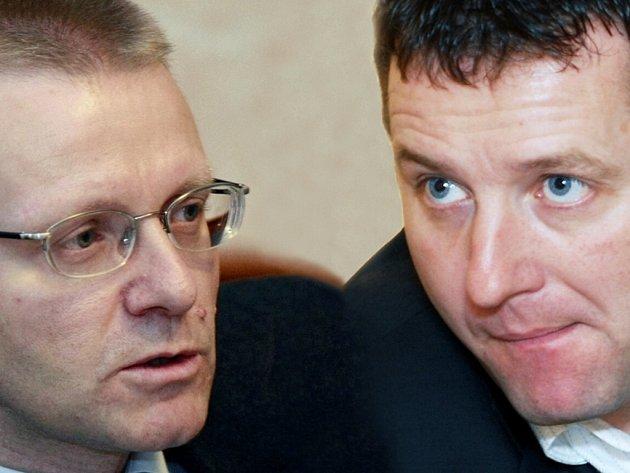 Válka náměstků Jana Tichého (vlevo) a Michala Koláčka. Obviňují se vzájemně ze lži
