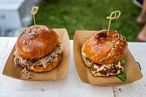 Občerstvení v široké škále chutí budou nabízet stánky a food trucky před Palácem Pardubice.