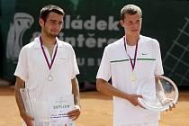 Osmdesátý čtvrtý ročník Pardubické juniorky vyhrál prostějovský tenista Adam Pavlásek nad Václavem Šafránkem.