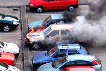Vozidlo na sídlišti Dubina zapálila technická závada