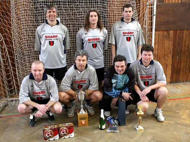 34. ročník Pardubického poháru v halové kopané. Vítězný FC Sharp