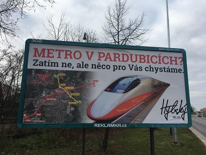 Plán pardubického metra se v roce 2019 dokonce objevil i na na jednom billboardu
