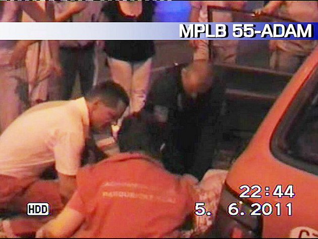 Díky včasné resuscitaci muž srdeční selhání přežil.