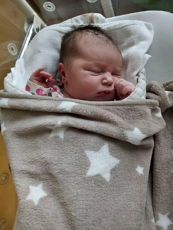 Natálie Kalvodová se narodila 7. 7. 2021 ve 23:21 hodin. Vážila 4160 gramů a měřila 52 centimetrů. Rodiče Pavel Kalvoda a Iveta Spudilová jsou z Načešic.  Foto: rodina