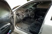 Požár vozidla, to nebyl aprílový žert