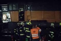 Na vlakovém nádraží v Pardubicích hořela lokomotiva.