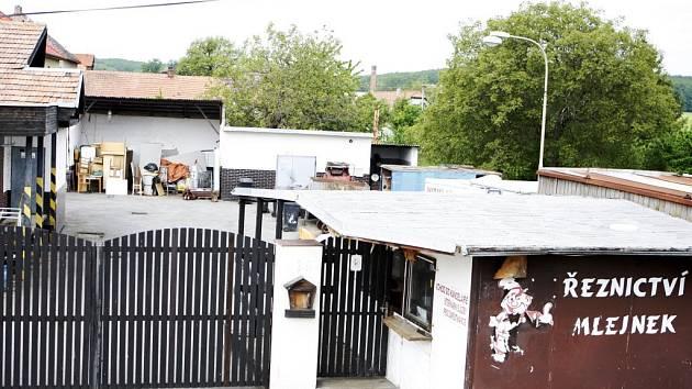 Jatka v Rohoznici na Pardubicku. Snímek z roku 2009, kdy se zde řešil totožný problém.
