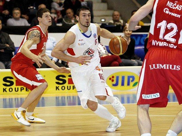 BK JIP Pardubice - ČEZ Basketball Nymburk 59:69