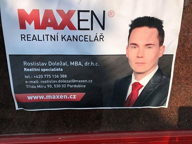 """Rostislav Doležal, MBA, dr. h. c. I v tomto případě chybí vysvětlení u titulu """"doktora"""", že nejde o výsledek studia, ale nákup kartičky."""
