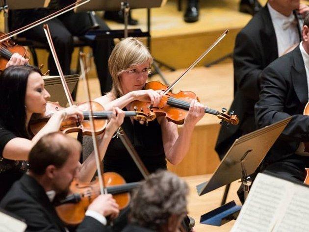 Filharmoniky čekal před dovolenou zájezd do Německa