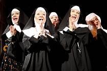 Řádové sestry budou řádit v divadle