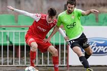 Z fotbalového divizního derby Pardubice B - Živanice (0:1).