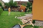 Škody které napáchalo tornádo ve Starých Čívicích