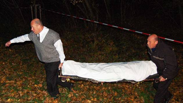 Nález mrtvého těla poblíž zdymadla