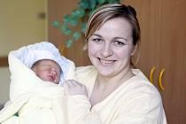 Kristýna Altmanová se narodila 8. února ve 3.11 hodin. Měřila 49 centimetrů a vážila 3050 gramů. Pro maminku Lenku a tatínka Miroslava z Městce u Chroustovic je malá Kristýna prvorozená dcera.