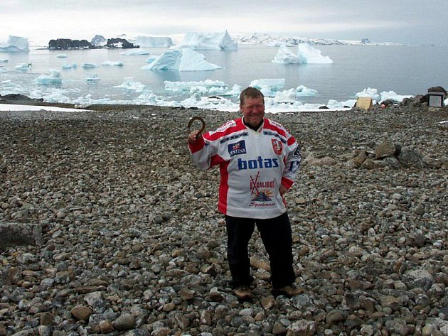 Polární stanice Eco-Nelson u břehů Arktidy
