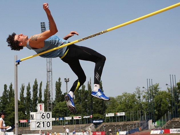 Jaroslav Bába patří k těm šťastlivcům, kteří si letenku na olympijské hry v Číně již zajistili. V extralize družstev splnili béčkový limit  Götz, Vojtík, Melich a Škrobáková.