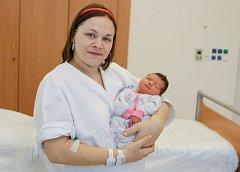 BARBORA KLEMBAROVÁ se narodila 23. října v 6 hodin a 53 minut. Měřila 50 centimetrů a vážila 3430 gramů. Maminku Moniku podpořil u porodu tatínek Lukáš. Rodina bydlí ve Chvaleticích.