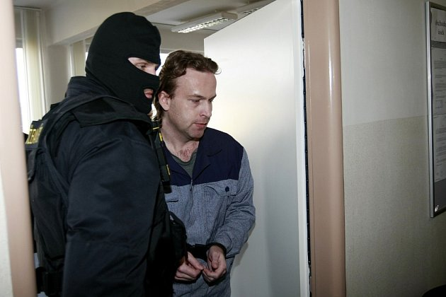 K soudu byl jako svěděk povolán i nadoživotí odsouzený Petr Zelenka.