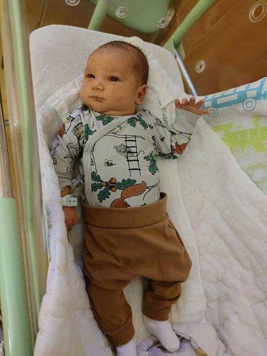 Patrik Kubový se narodil 15. 2. 2021 ve 12:52 hodin v chrudimské porodnici. Mírami 56 cm a 4600 g potěšil tatínka Tomáše a maminku Denisu. Doma v Chocni se na něj těšil sourozenec Filip (6 let).